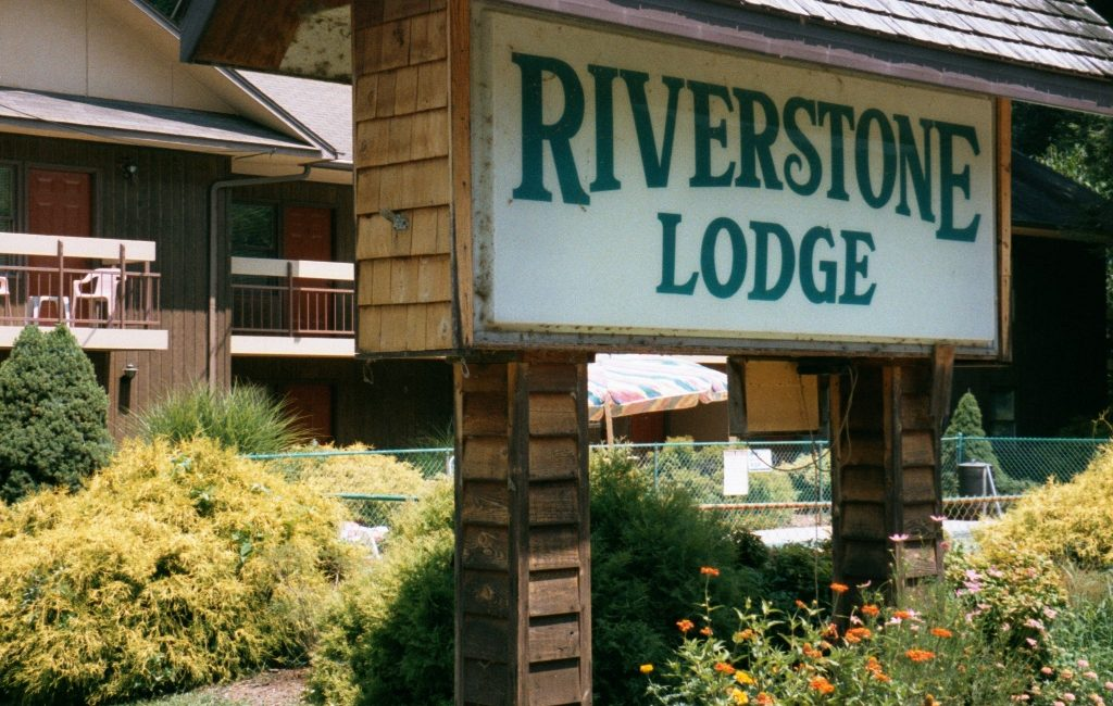 Welcome to Riverstone Lodge